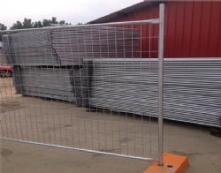 Complete temp fencing system in Top 5 factory