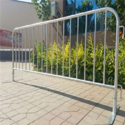 Easy to transport and store for Western Europe crowd control barrier special events